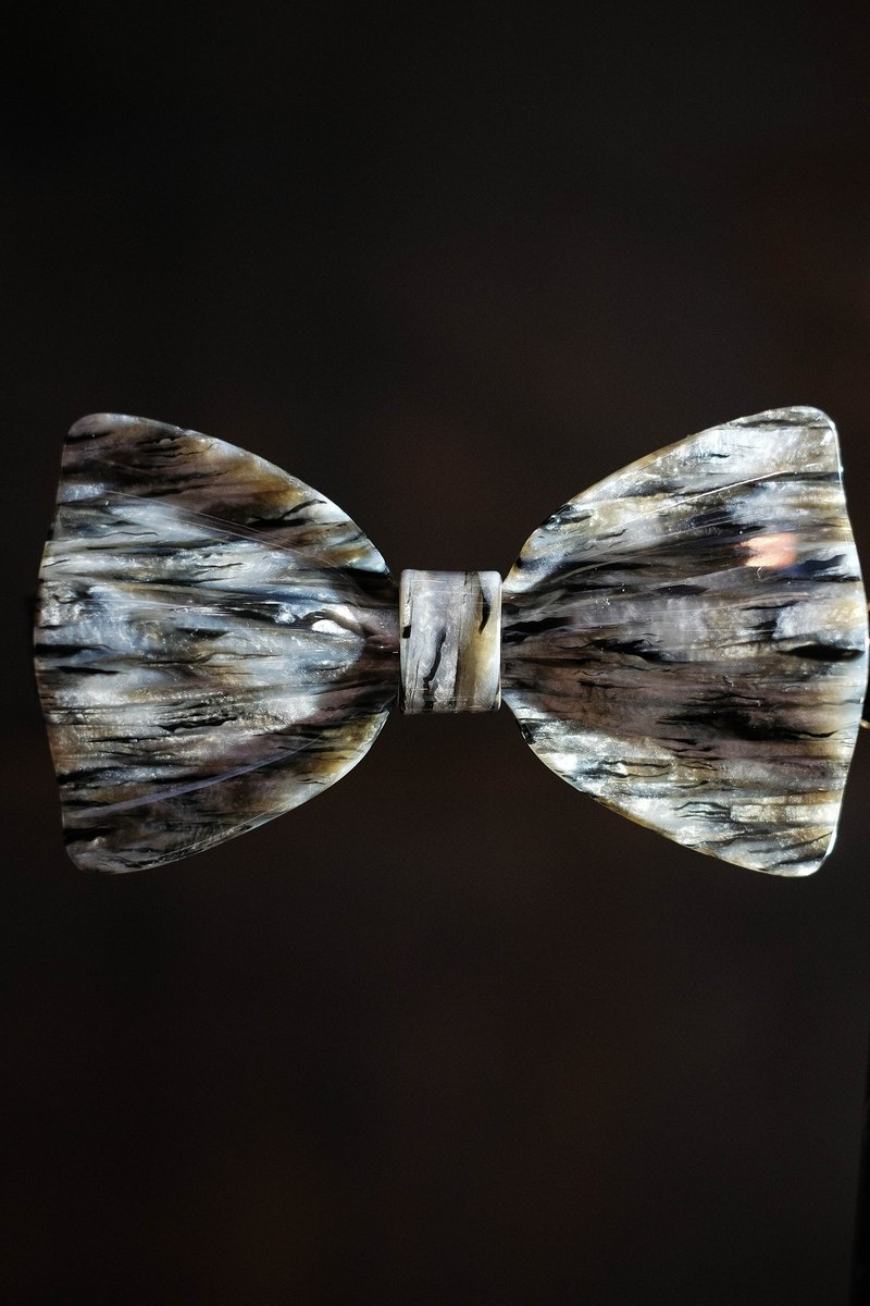 Mils shell Acetate hand bow tie
