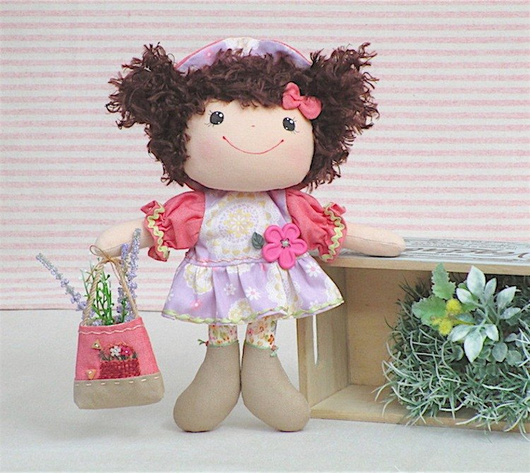 Wonderland22 dolls | love gardening cheerful dolls