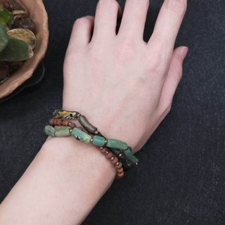 [The only product] ancient glass * collection of treasures and more bracelets