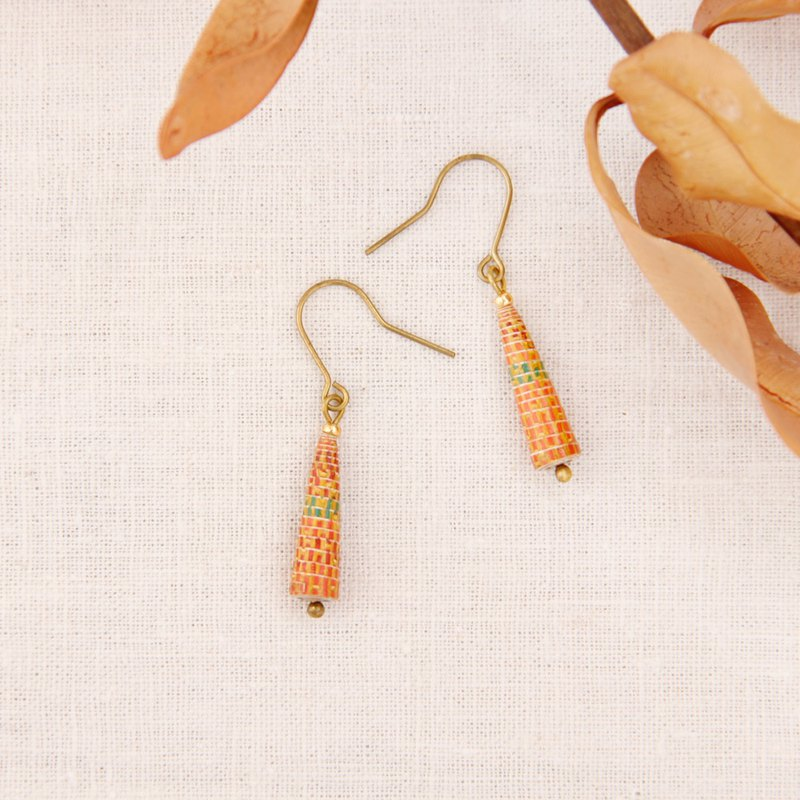 [small paper hand made / paper art / jewelry] orange geometric pattern small awl earrings