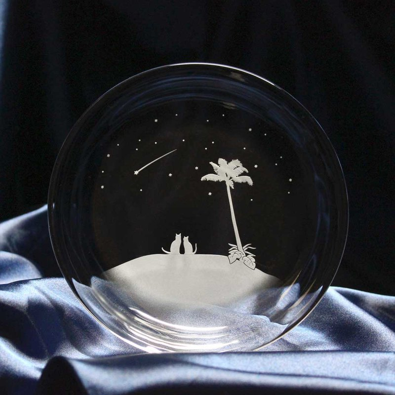 [South Island's shooting star] Glass small plate of cat motif