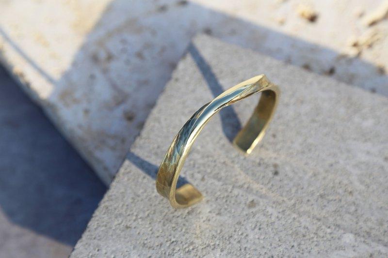 大無限-寬版/窄版-水波紋 鍛敲黃銅手環