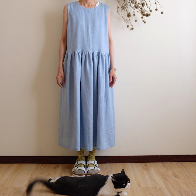 Daily hand-made clothes, cool water color, buckle vest, long dress linen