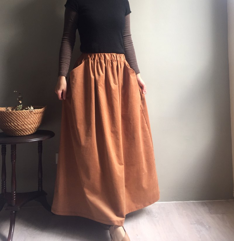 Good Holiday / Pink Persimmon Corduroy Pocket Maxi Dress