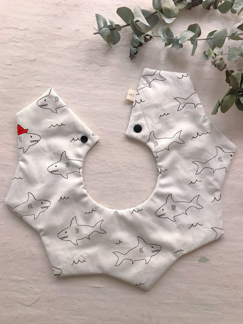 鯊魚咬咬     360度雙面手工有機棉六層紗星星圍兜口水巾