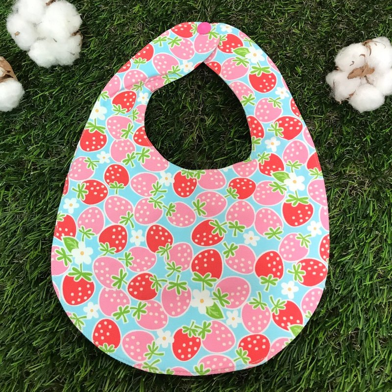 Double-sided bibs - full of strawberries