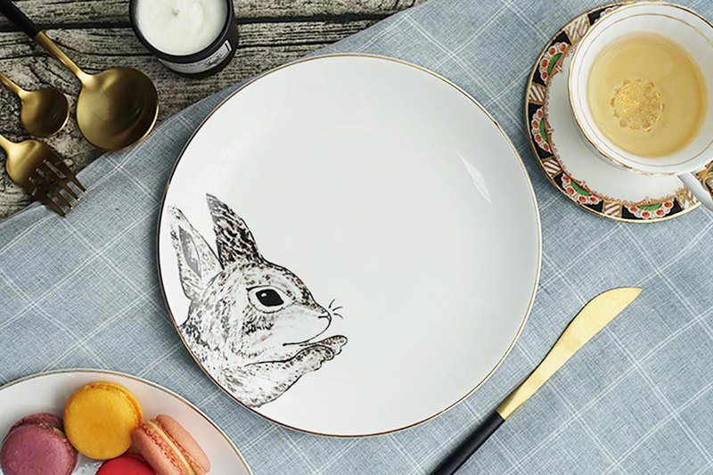Forest Buddy Series-Rabbit Finger Rabbit 20cm Gold Bone China Plate