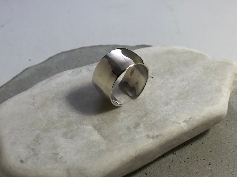 Geometric Series_Arc Wide Ring