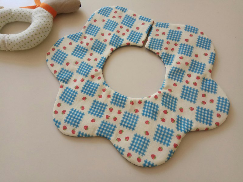 Japanese cotton gauze blue small strawberry 360 degree flower petals bib baby bib