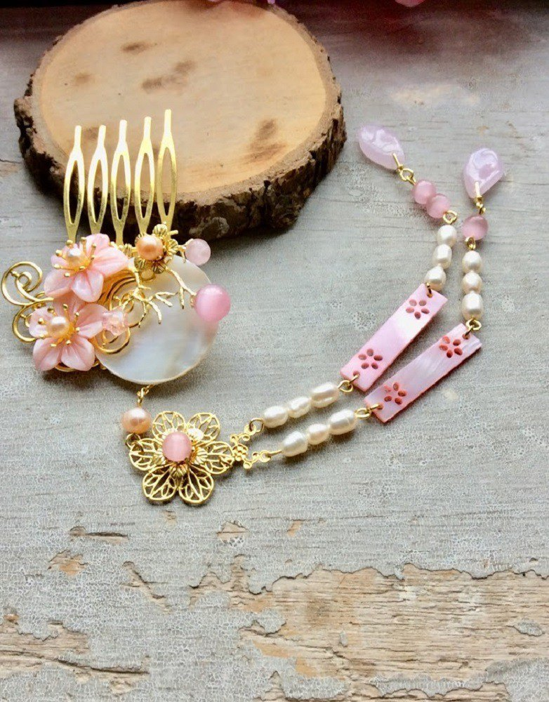 喵 hand made ~ Chinese style shell carving small flower hair comb