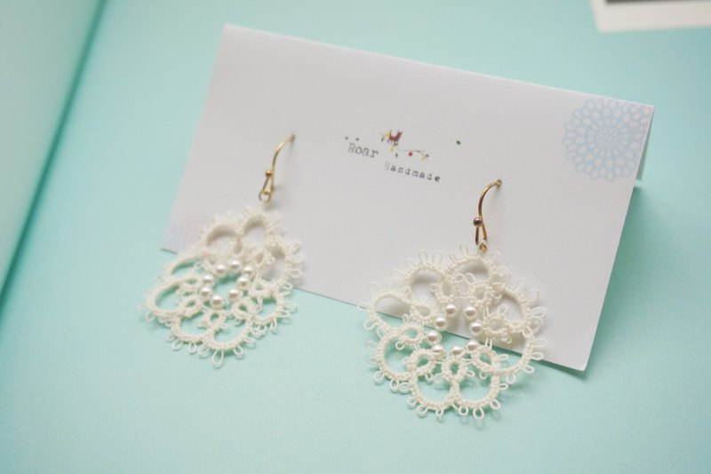 Handmade Tatting Earrings, Lace Earrings, Cotton, Swarovski  pearl