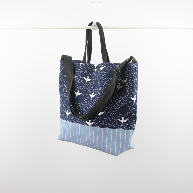 Goriras bird print tote bag No.1 in navy blue