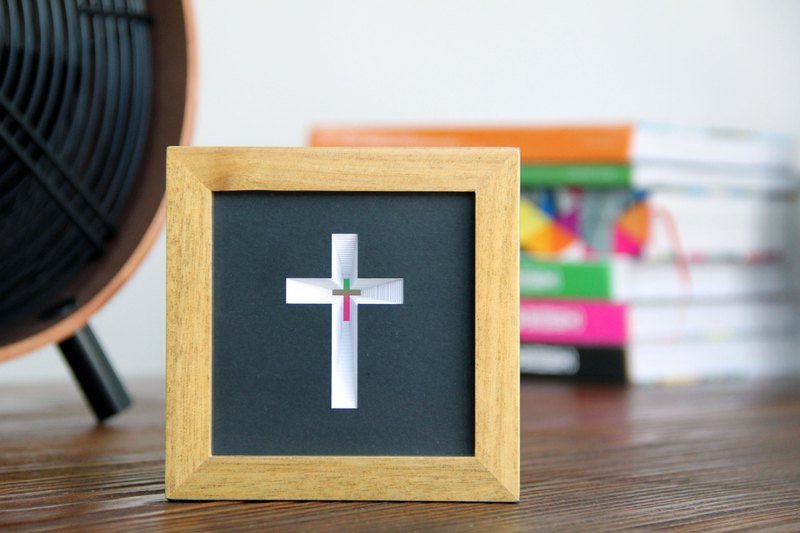 Light / Paper art / Ornament / Cross