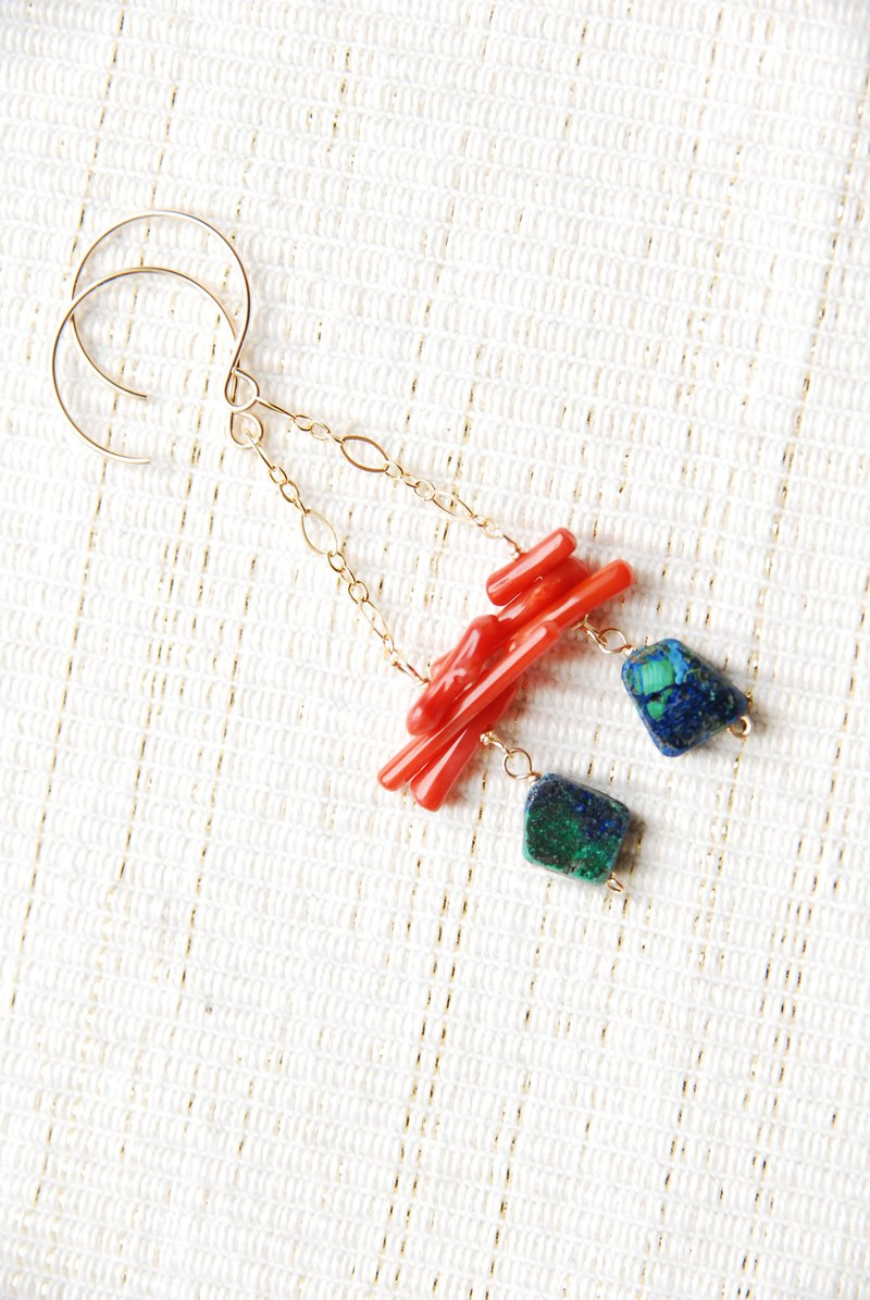 Sliced azurite and red coral chain earrings 14kgf
