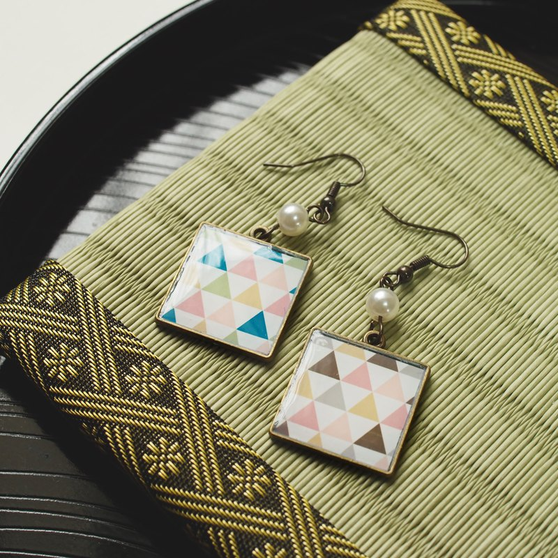Japanese Pattern Square [Scales] Earrings / Earrings