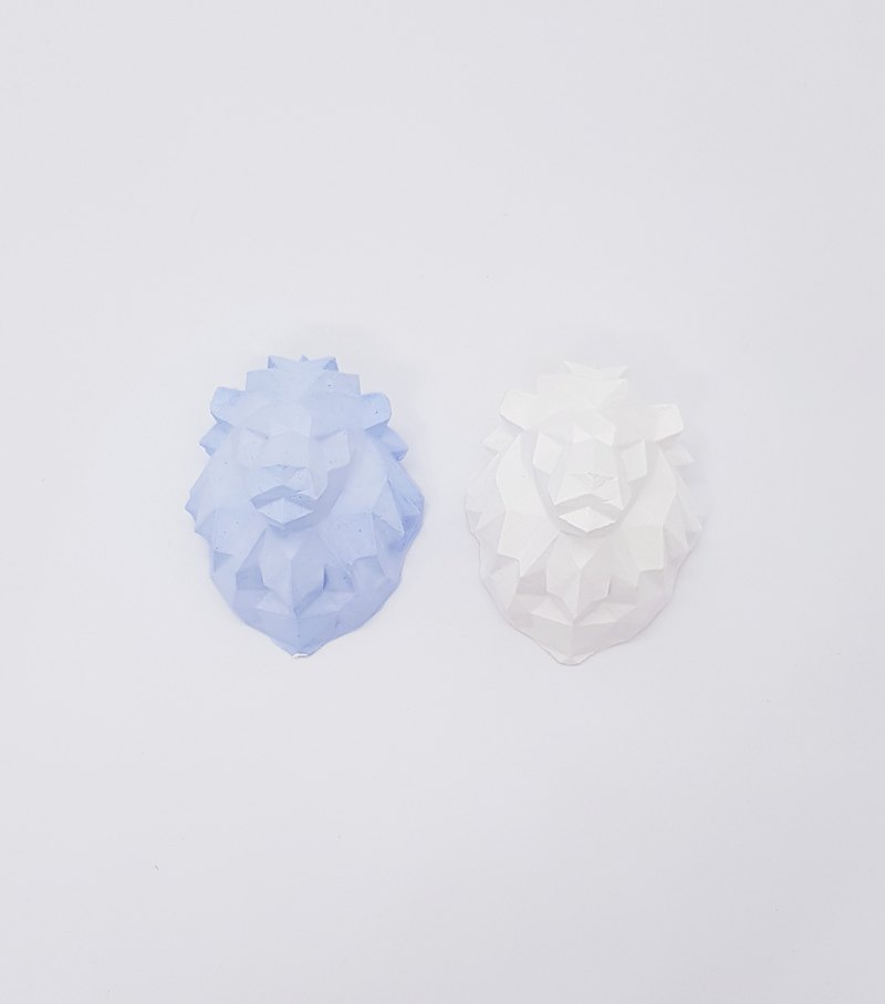 [Miss Feng] car air-conditioning vent clip - lion head shape expansion incense stone - birthday - gift