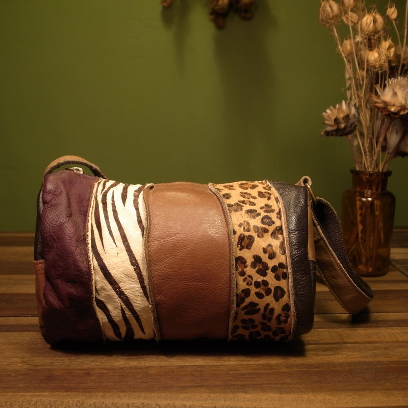 Old bone stitching animal skin side backpack VINTAGE