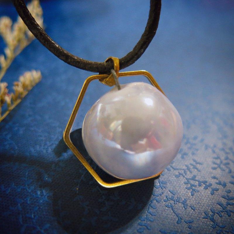 純白珍珠光  香水精油項鍊 六角銅環 手作白瓷 擴香