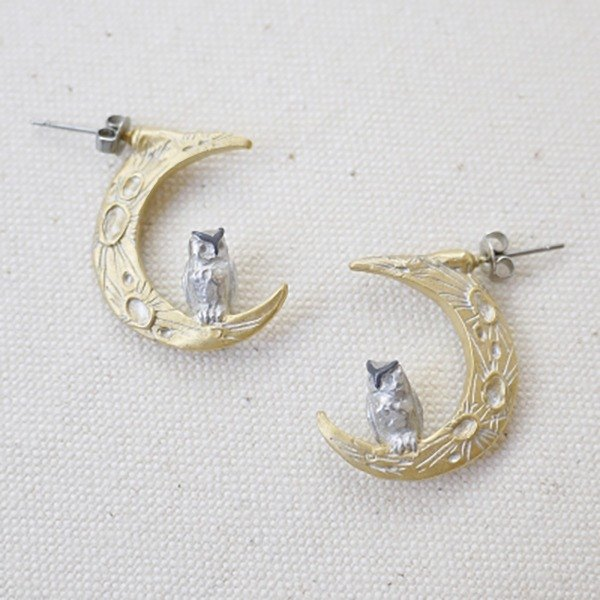 Midnight Calling Earrings Moonris Earrings / Earrings PA303
