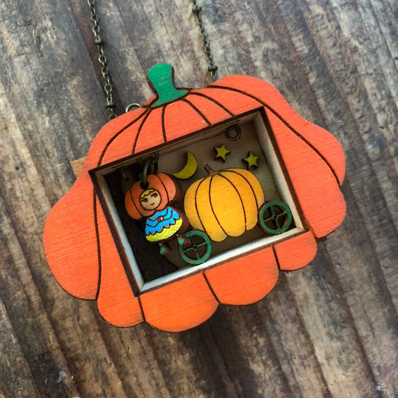 Pumpkin Princess Story Box Necklace