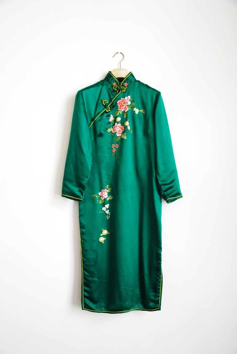 Antique silk embroidered cheongsam