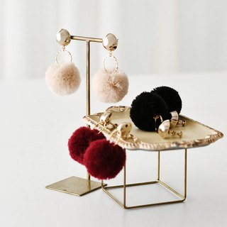 Pompon tassel earrings/Gold dome