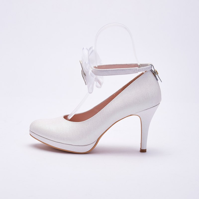 Large size with shoes 40-44 Made in Taiwan more wearing a bow rhinestone Mary Jane wedding shoes 9cm white