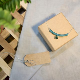 YuThing | Smiley Curve Floss Silver Necklace (Marrs green)