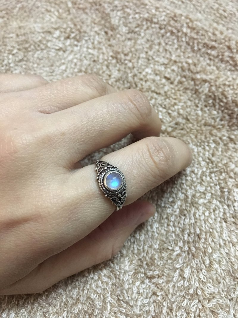 Moonstone Finger Ring Handmade in Nepal 92.5% Silver