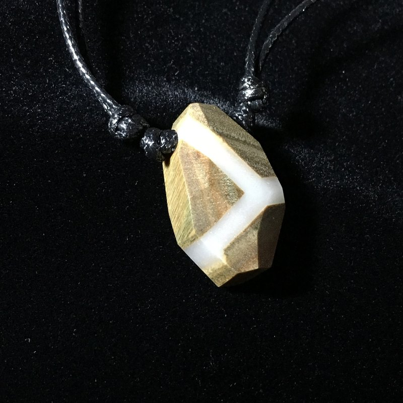 Green sandalwood luminous pendant