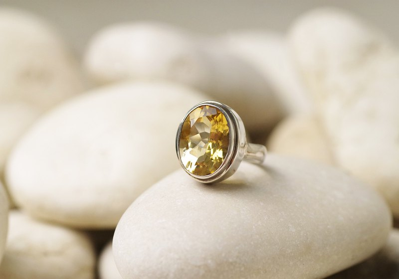 Silver ring of citrine