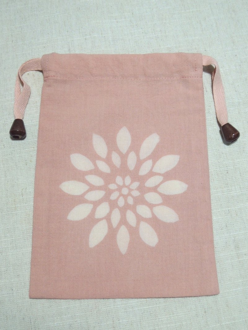 Mumu [vegetation] madder root dye dyed pink pouch (chrysanthemum paragraph)