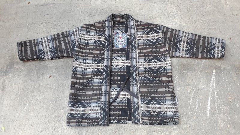 AMIN'S SHINY WORLD handmade KINOLO wool Niteng blouse coat