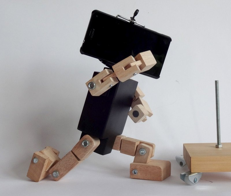 Smartphone  Robot  : Black  ( Base Included )