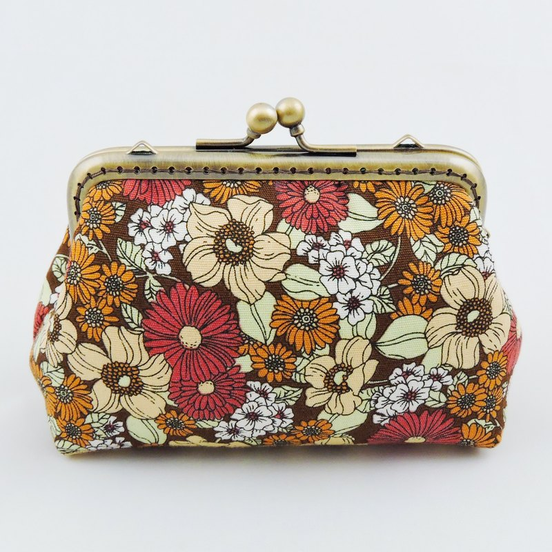 Flowers bloom purse mouth gold package