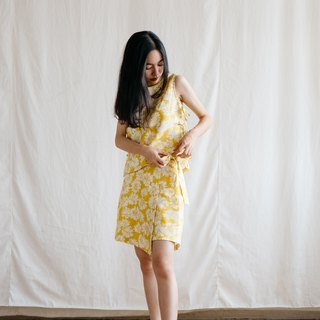 Wrap skirt shorts in Yellow Blossom (Limited)