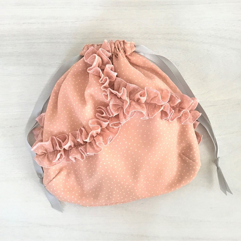 Random Petit Dot Dots Ruffled Frill Drawstring Pouch Pink × Off White
