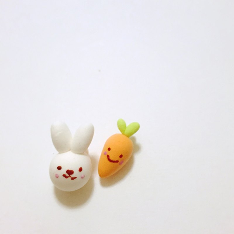 Bunny and carrot friends earrings set (2 set) (can change the ear clip type) ((over 600 were sent mysterious little gift))