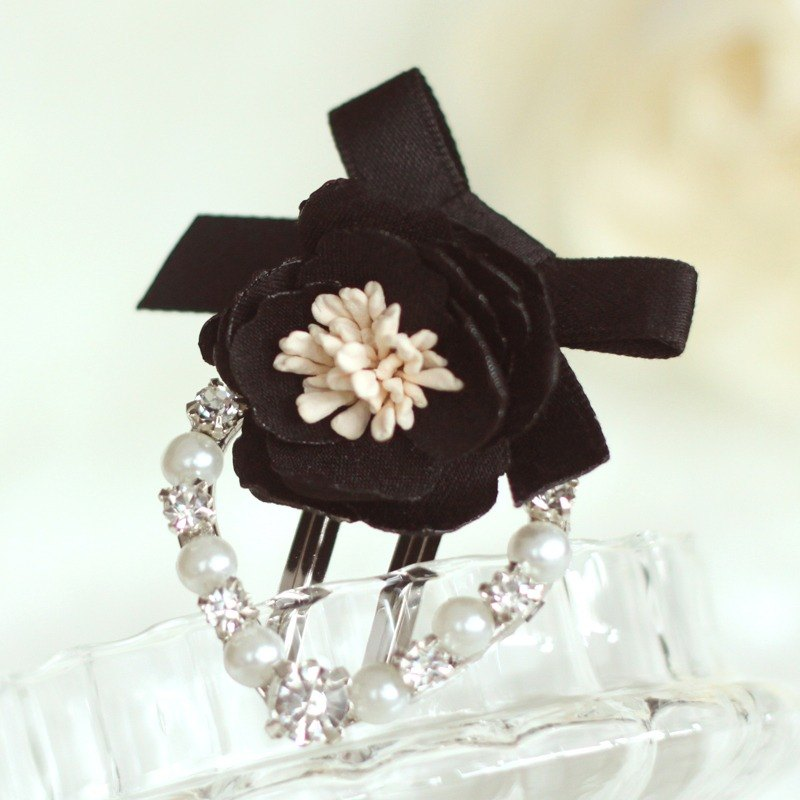 Lovely Flower Corsage Heart Shape Hair Clip