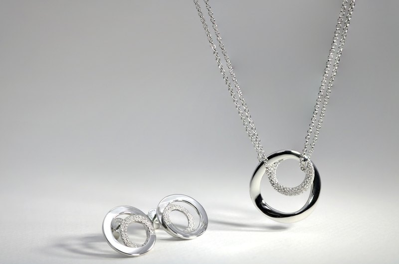 Twine Collection Surround Circle 925 Sterling Silver Zirconium Crystal Diamond Necklace