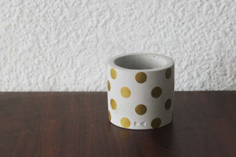Water jade dots | cement gold polka dot pottery pen holder