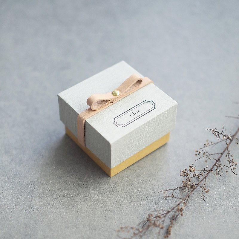 Chic // Gray) Sliding Box Leather ribbon Small box to convey feelings