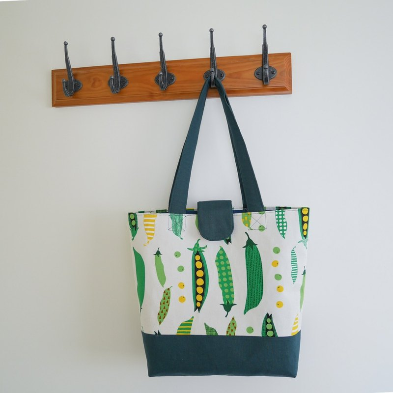 Tote bag - peas - with hand-painted packaging