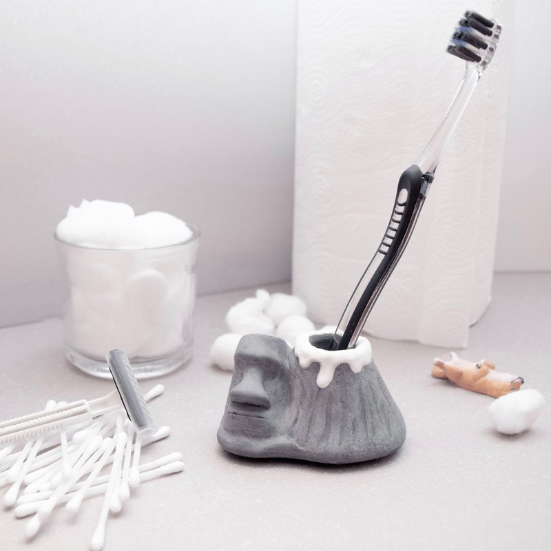 Moai Toothbrush Holder