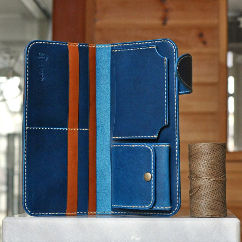 No.4 Butero, a long wallet focused on card storage