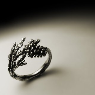 Pine and cypress pine nuts ring